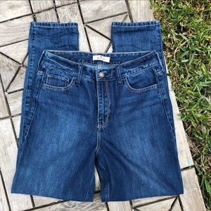 Hollister High Waisted Mom Jeans 100% Cotton